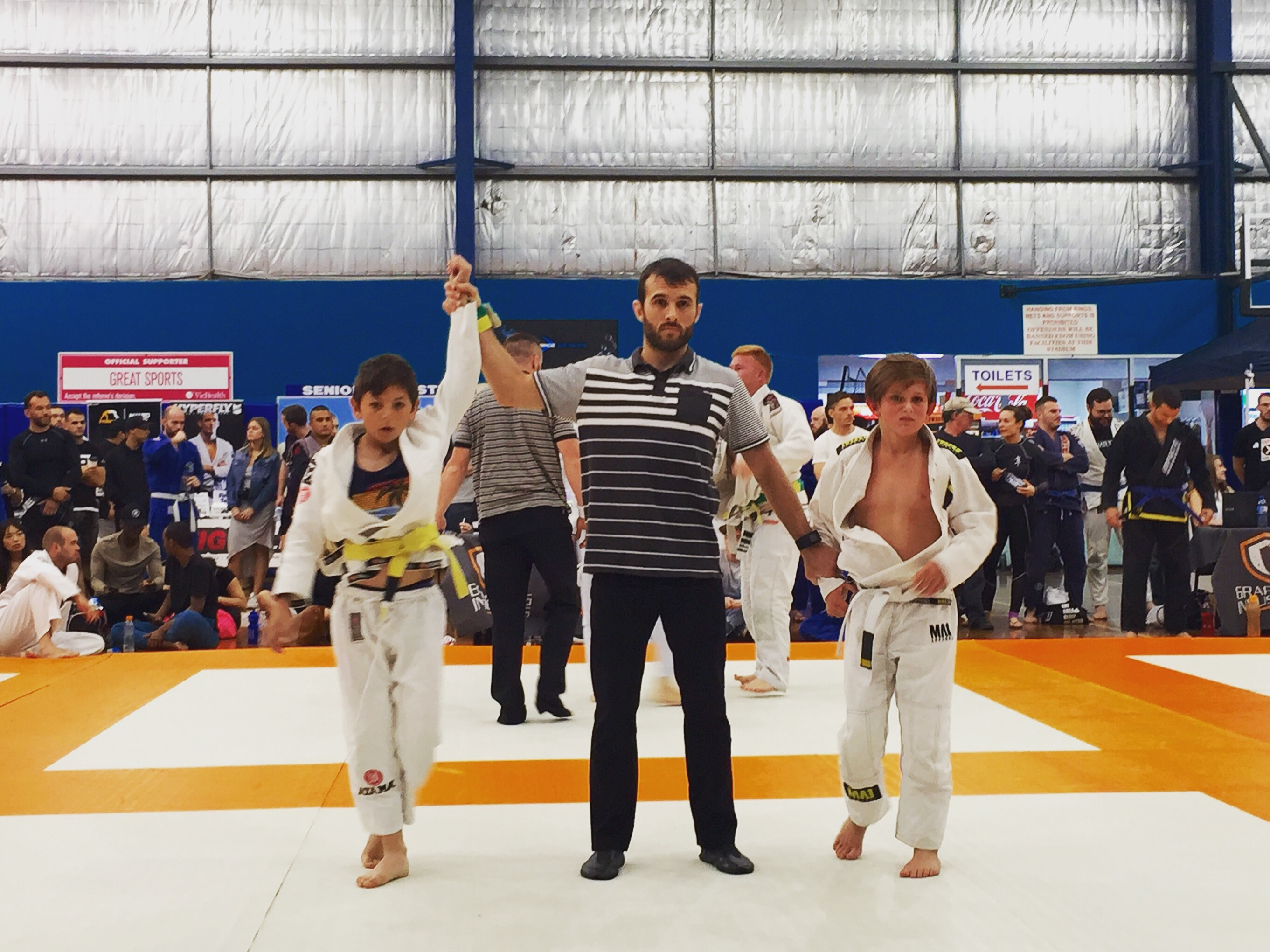Coach Marcel Leteri Sasso de Oliveira​, refereeing at Grappling Industries in Melbourne